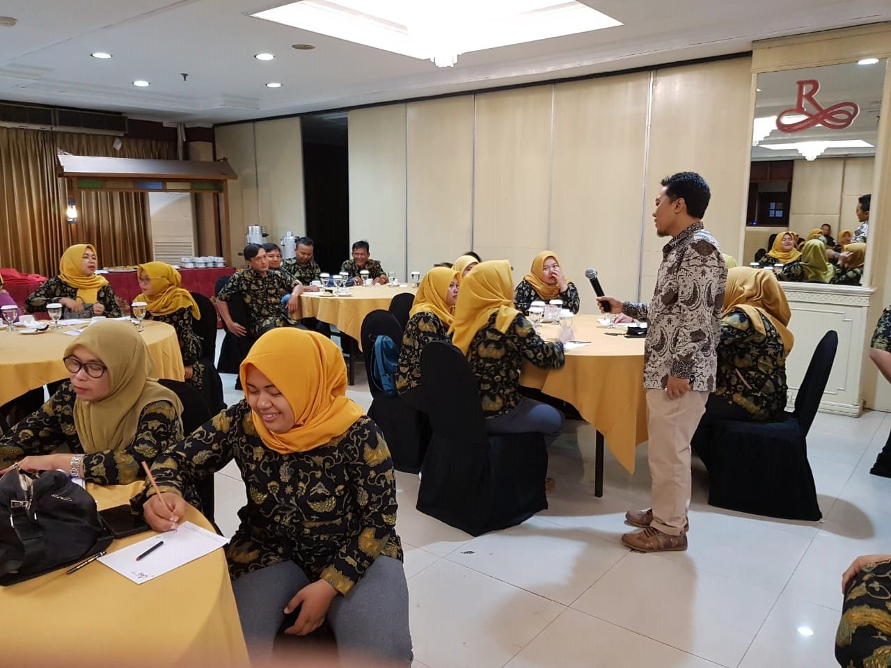 Training-Service-Excellence-0823-3236-0252