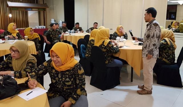 Training-Komunikasi-Efektif-082332360252